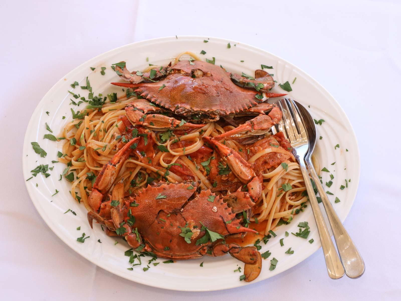 Ανακαλύψτε τα μονοπάτια των τοπικών γεύσεων μέσα από τις παραδοσιακές συνταγές της Ερείκουσας