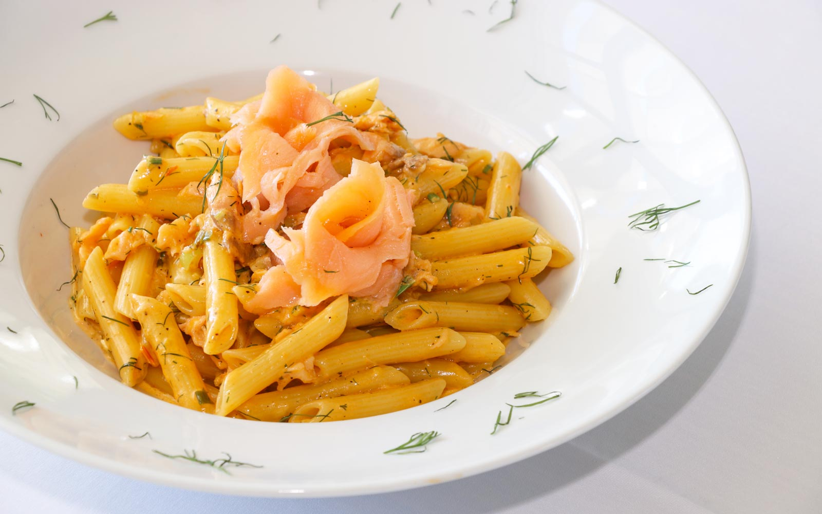 hotelerikousa-diapontia-islands-greek-food-salmon-pasta